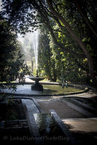 ホルカー・ホールの噴水