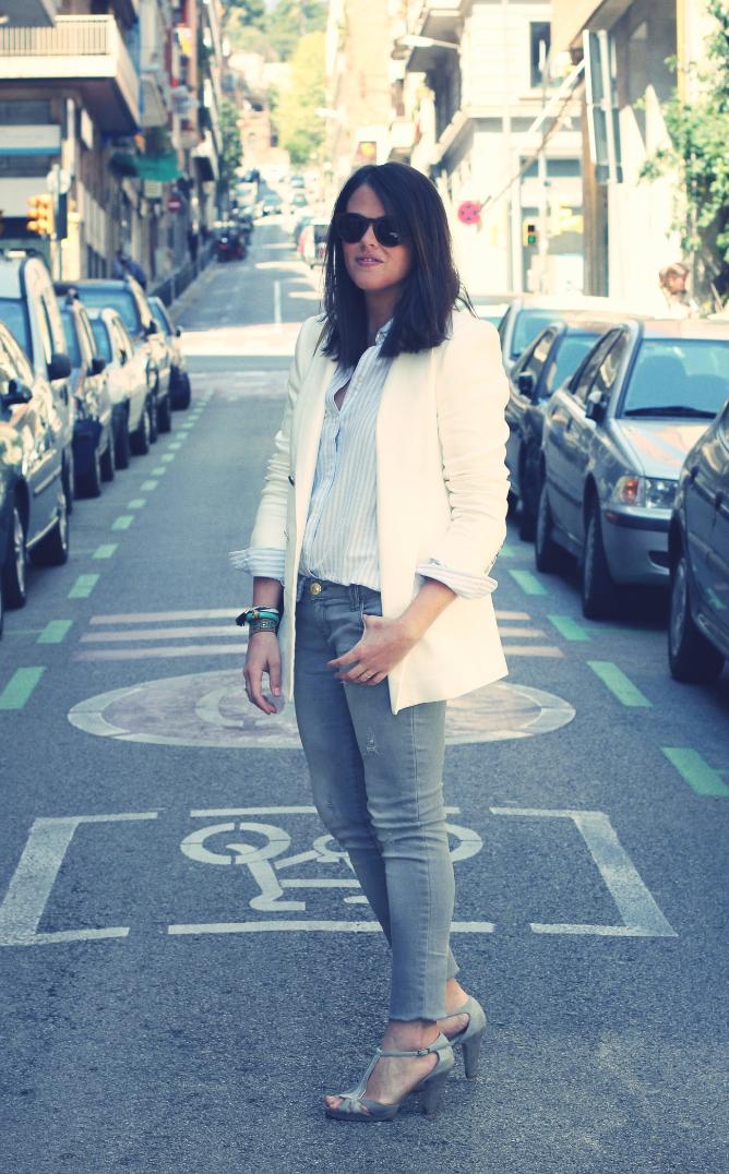 Look Blazer blanco + gris - Monicositas