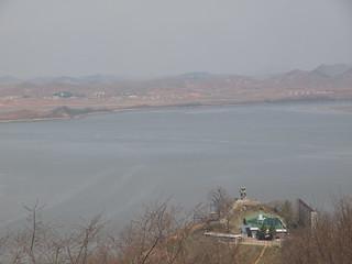 烏頭山統一展望台より北朝鮮を望む。