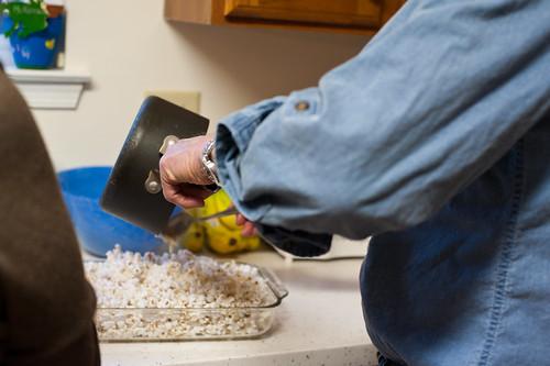 008 making popcorn balls