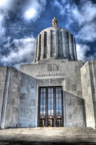 statue architecture clouds oregon doors state steps wideangle capitol dome government marble deco hdr trowbridgelivingstonarchitects