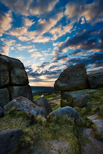 uk morning sunrise landscape scenery day cloudy ilkley westyorkshire ilkleymoor cowandcalfrocks canon1740f4 northofengland westriding canon5dmk3 markmullenphotography