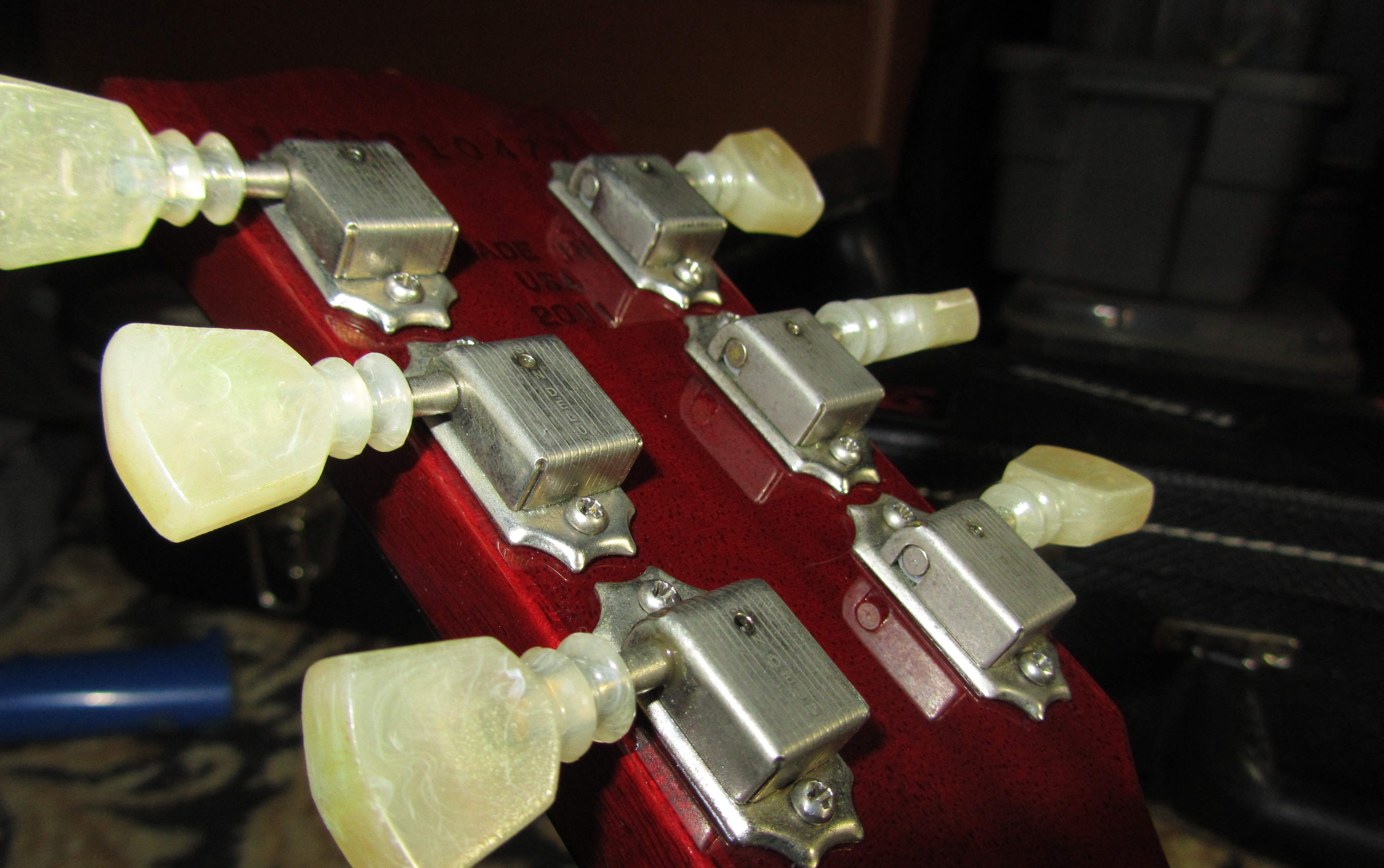 Direct fit locking tuners?   My Les Paul Forum