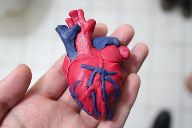 Como hacer un corazon con plastilina - Imagui