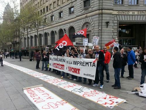#noerozeta manifestació a bcn per l´ERO a impremta El Periódico a Parets del Vallès