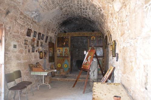 Der ungeschmückte Innenraum der Kirche
