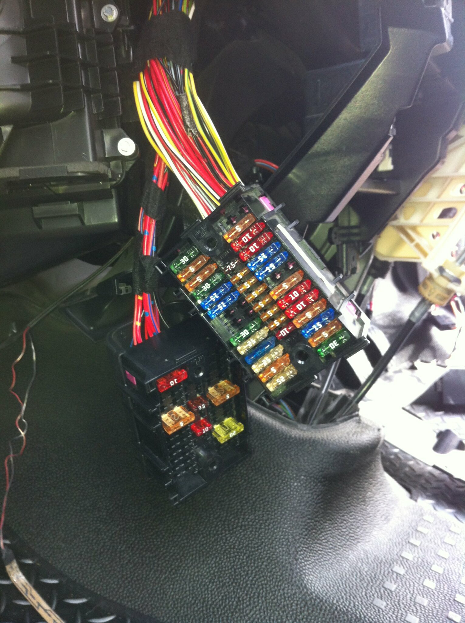 Vw Transporter Fuse Box Cigarette Lighter Trusted Wiring Diagrams 2007 Ford Fusion Ignition And Keyed Feed On T5 T4 Forum Junction