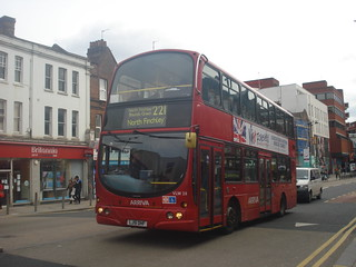 Arriva VLW28 on Route 221, Wood Green