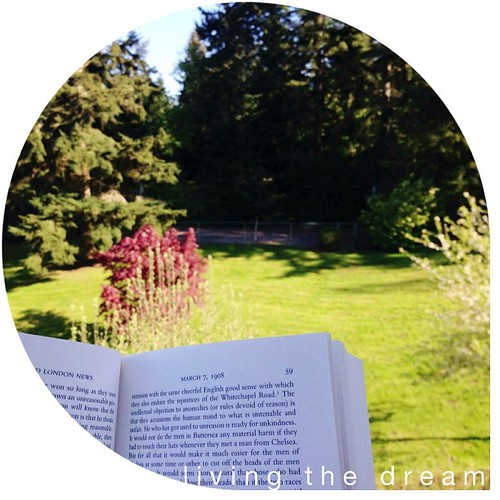 Sunshine, family & a really good book