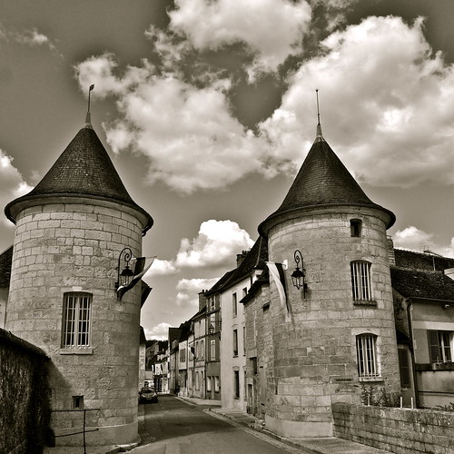 france history tourism architecture burgundy towers olympus tourists architectural historic gateway historical twintowers oldtown bourgogne whitewine touristattraction chardonnay chablis yonne mickyflick portenoel