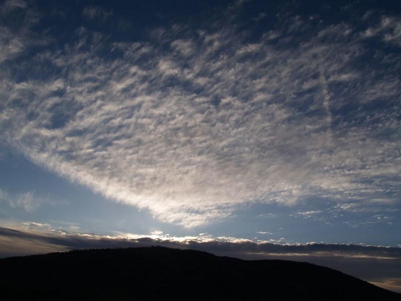 PCT San Felipe Hills - sunrise cirrus clouds