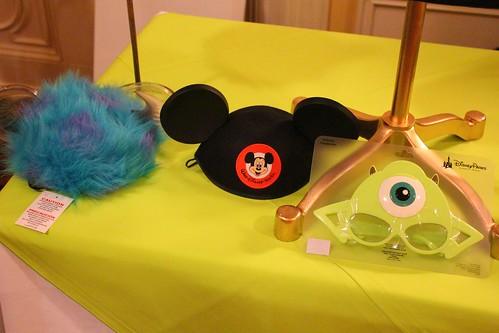 Walt Disney World And Disneyland Wake Up Early As