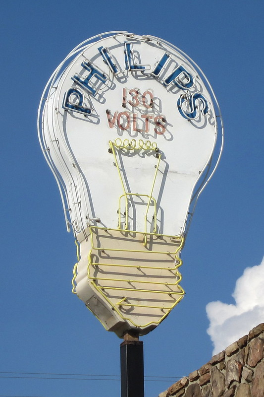 Philips Light Bulb neon sign - Cookeville, TN