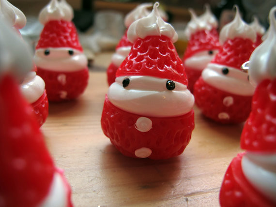 Scrumptious Santaberries Charms/Cabochons/Christmas tree Ornaments