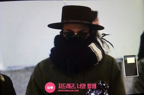 Big Bang - Gimpo Airport - 27feb2015 - G-Dragon - With G-Dragon - 01