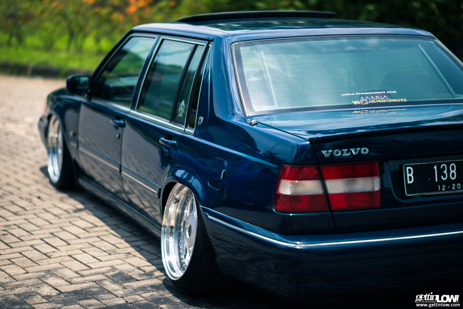 GETTINLOW | Andy: 1995 Bagged VOLVO S90
