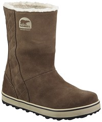 outdoor shoe(0.0), textile(0.0), leather(0.0), snow boot(1.0), brown(1.0), footwear(1.0), shoe(1.0), beige(1.0), boot(1.0),