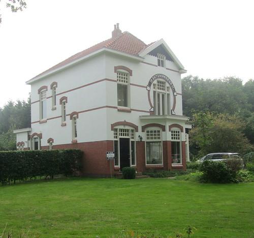house  very dutch