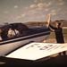 Normandie : une famille en avion en 1959