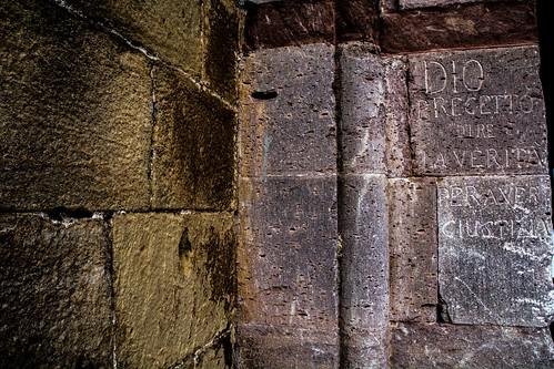Dio precettò dire la verità per avere giustizia, Castello di Lagopesole, Lagopesole, Basilicata, Italy