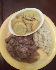 Salisbury steak with brown gravy, squash and herb brown rice..#salisburysteak #brownrice
