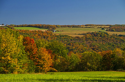 life blue autumn red green rural canon colorful farm scenic fallfoliage foliage upstatenewyork lush forests iloveny skaneateles 2013 autumnscenic foliageinnewyork