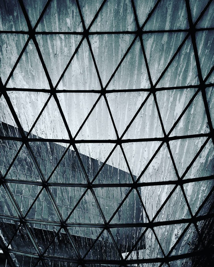 Raining  #fieramilano #abstract #modern #Architecture #building #Glass #web #igersmilano #igers #igersitalia #archilovers #architecturelovers #archidaily #bw #photography #photooftheday #amazing #instagood #instalike #picoftheday #instadaily #instafollow