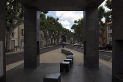 Quel est ce lieu ? Abribus de Philippe Starck, Nîmes, 2016