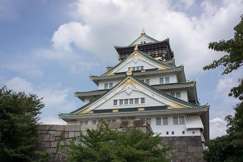 就算是陰天也會金閃閃的大阪城天守閣