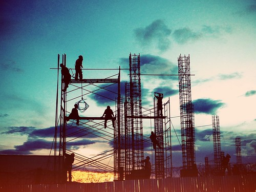 sunset man men workers construction dusk honduras lomofilter iphone iphoneography uploaded:by=flickrmobile excellogilvy flickriosapp:filter=lomo