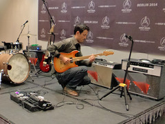 Holy Grail Guitar Show Berlin - FranFret Jam-Session mit Takashi Peterson