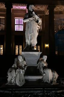 Image of Friedrich Schiller. berlin rodenstockndfilter8x nacht night canoneos6d canonef24105mmf4lisusm 60mm friedrichschiller schillermonument schillerdenkmal skulptur sculpture mitte berlinmitte