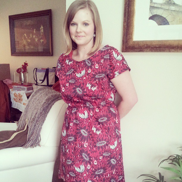 A little rainy day sewing! Love my @aprilarhodes  #stapledress and AMH voile!