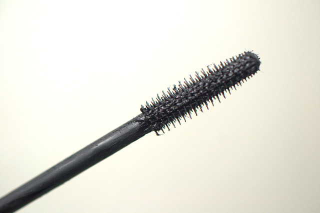 Mary Kay Lash Love mascara brush