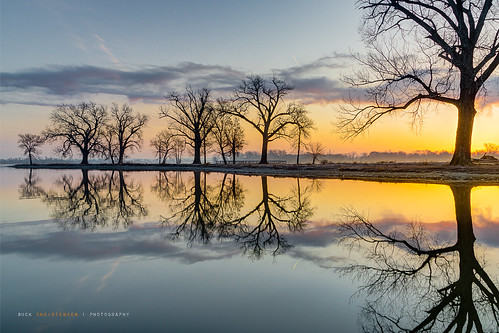 reflection water sunrise landscape dawn iowa councilbluffs lakemanawa lakemanawastatepark