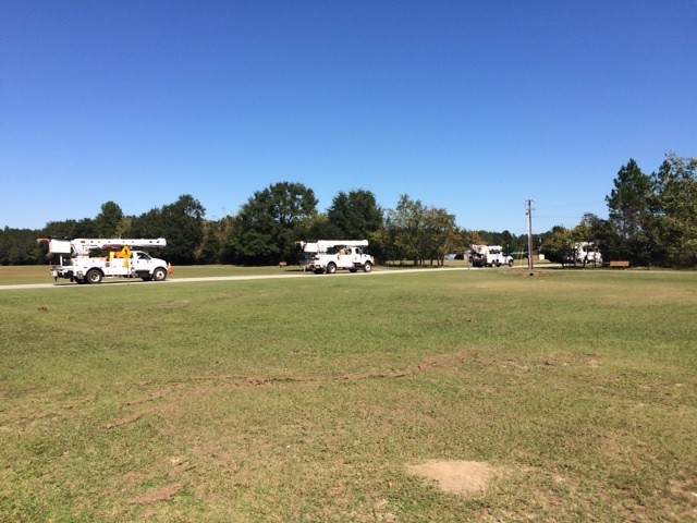 Oncor trucks head home from GA on 10.13.16