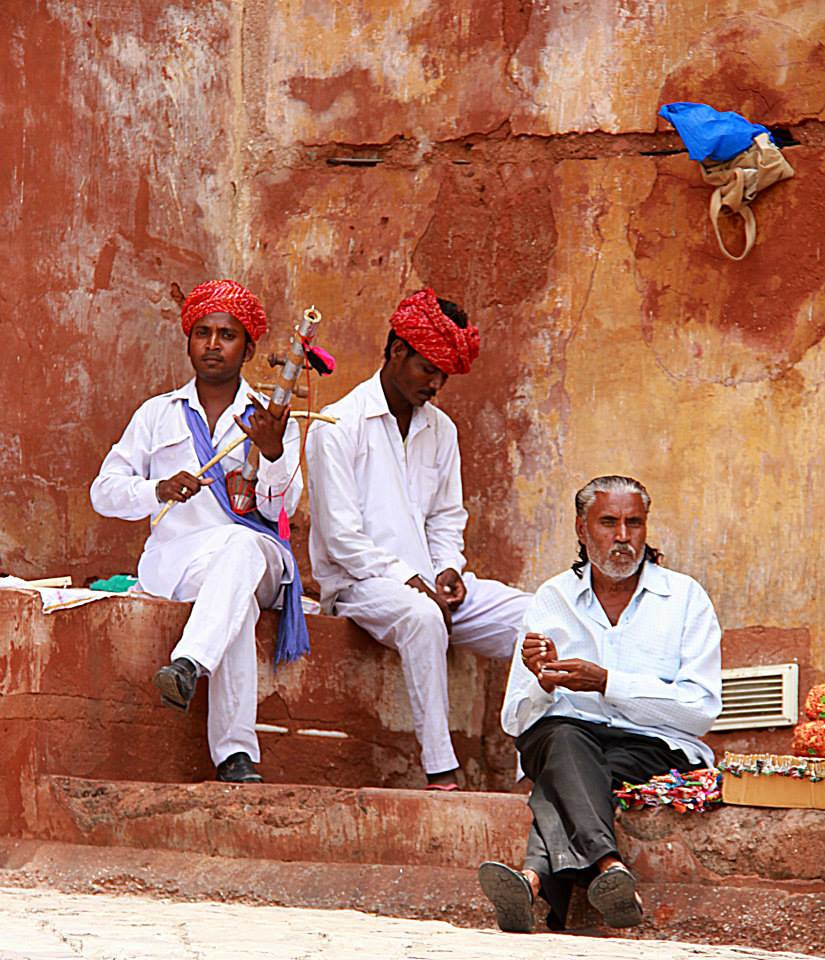 Local musicians at Amer Fort