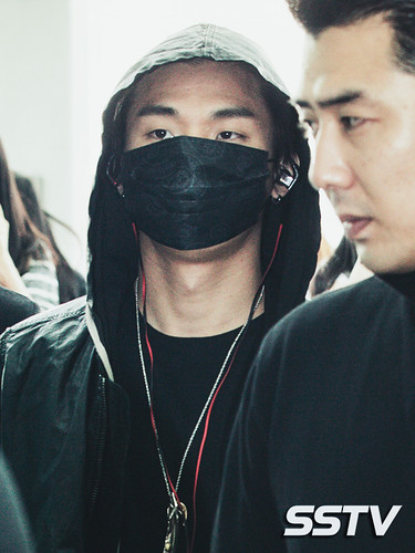 BIGBANG Incheon Airport to Shanghai Press 2015-06-19 044