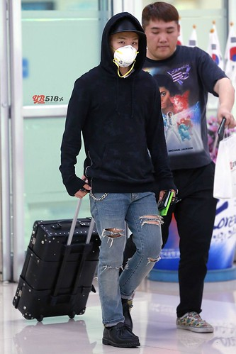 Big Bang - Gimpo Airport - 07jun2015 - Tae Yang - YB 518% - 05