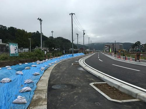 旧門脇小学校前の新しい道路