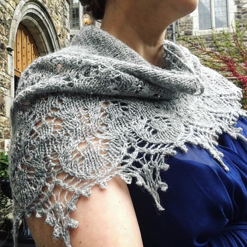 My bridesmaid shawl is Sweet Dreams by @boo_knits, handspun and handknit by @kaystir. Check out the beading! #justsaranups #sweetdreams #booknits #knitting #bridalknits #beadedshawl #handknitshawl #knittersofinstagram #knit #knitstagram #blockedtoperfecti