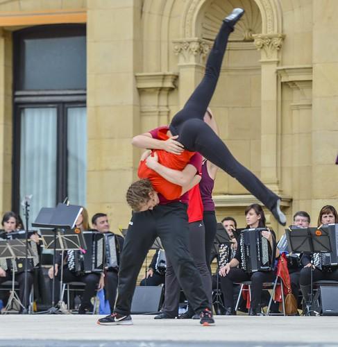 Dance2gether / Gure erara