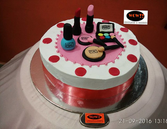Makeup Cake by WOW Chocolates and Desserts