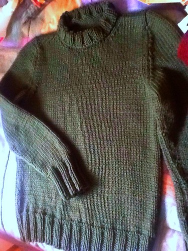 Non-split neck pullover