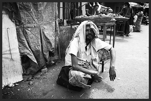 Marziya Shakir  5 Year Old Shoots The Beggars of Bandra Bazar Road On Canon EOS 7D Vertical Grip by firoze shakir photographerno1