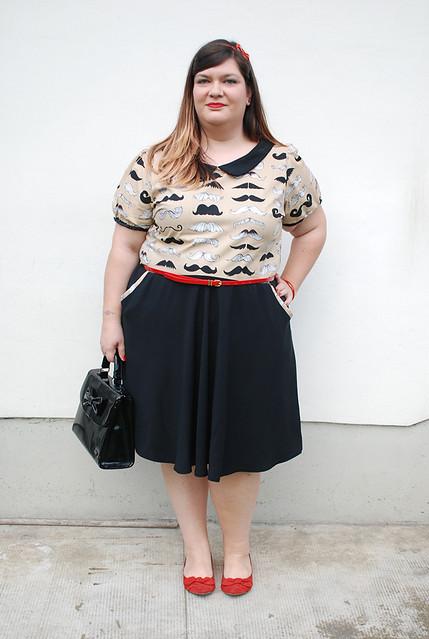 outfit plus size con baffi5