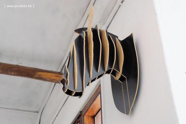 29015664256 9f9f5be3e4 z - 斑馬散步咖啡.Zebra Walking Cafe│老宅改建咖啡館,漂亮白色建築,擁有寬敞庭院,環境漂亮好拍照