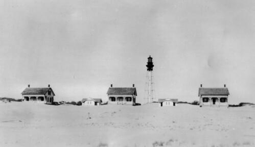 lighthouse northcarolina baldheadisland baldheadislandconservancy capefearlighthouse foresthistorysociety