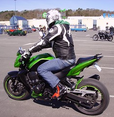Kawasaki Z 750 green, Rendez-vous des cabossés