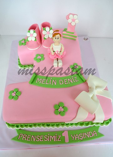1th birthday cake by MİSSPASTAM